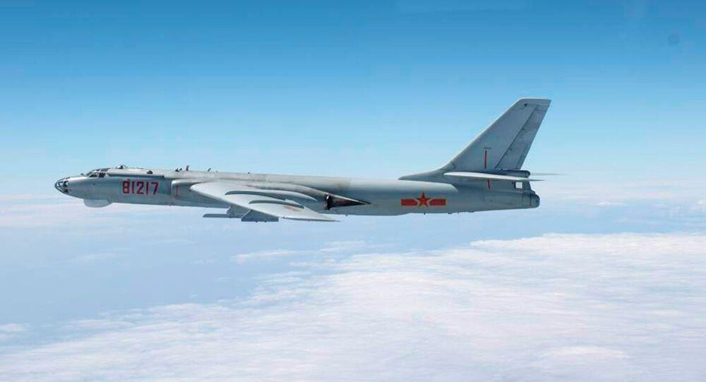Bombardeiro H-6 da Força Área da China.