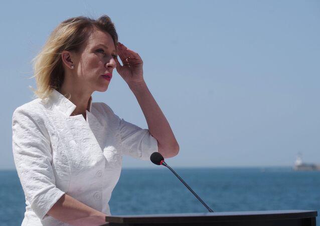 A representante oficial da chancelaria russa, Maria Zakharova, durante um briefing em Sevastopol