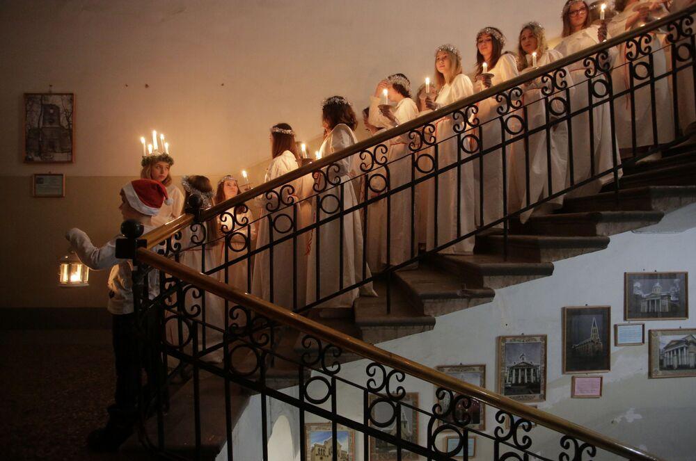 Comemoração do Dia de Santa Luzia na igreja evangélica sueca em São Petersburgo