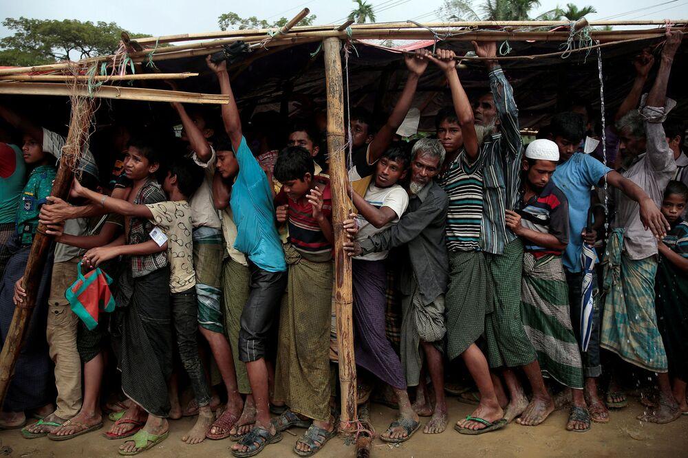 Refugiados rohingya em campo no Bangladesh