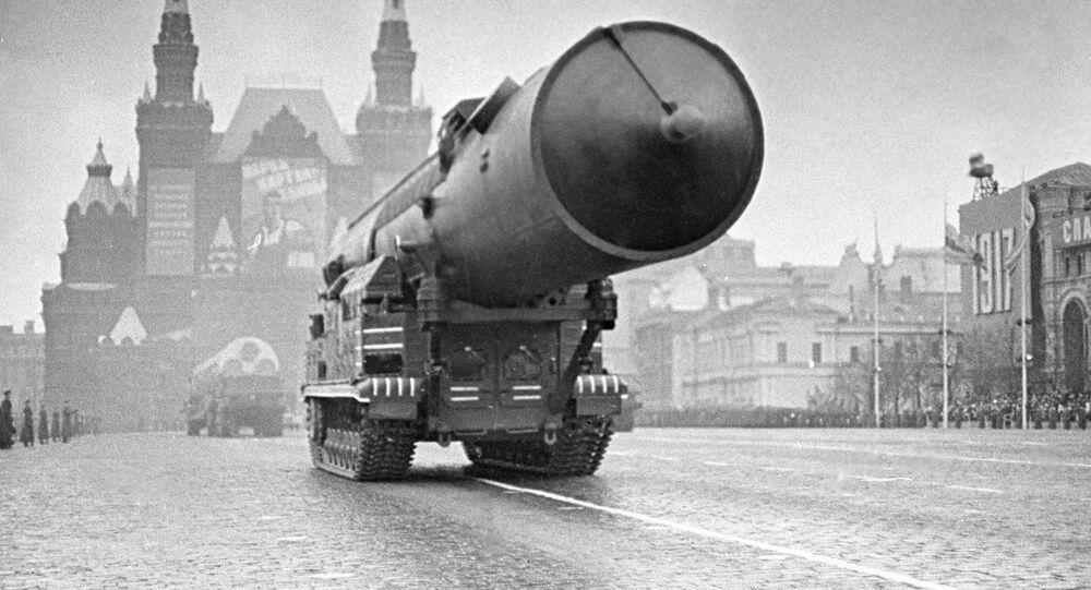 Hoje em dia, existem apenas 3 países (Rússia, EUA e China) que possuem uma tríade nuclear completa