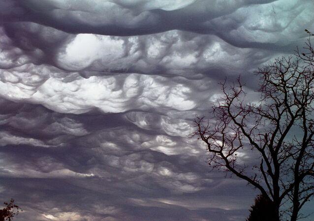 Nuvens do Juízo Final (imagem ilustrativa)