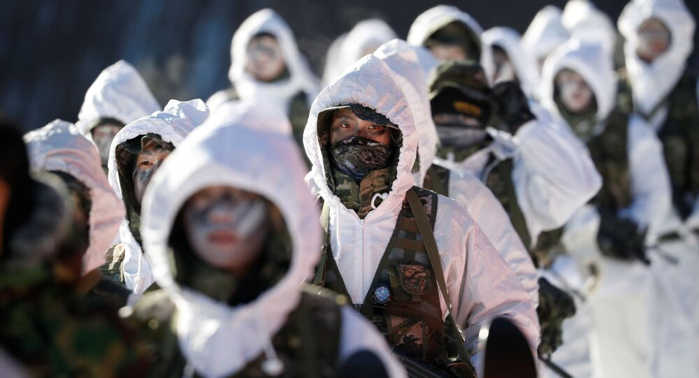 Treinamento de fuzileiros navais sul-coreanos e norte-americanos que decorre em Pyeongchang