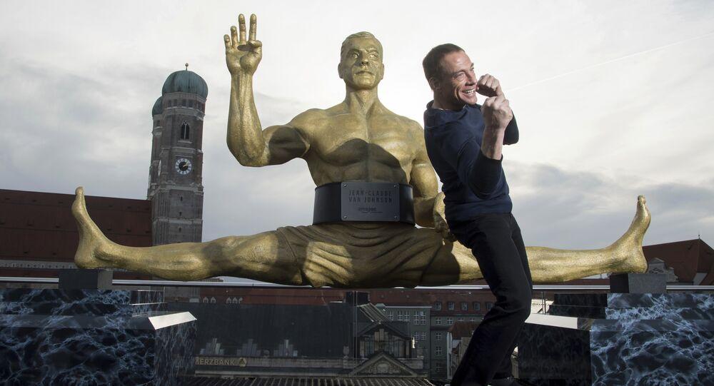Ator Jean-Claude Van Damme em coletiva de imprensa para anunciar novo trabalho, 14 de dezembro de 2017