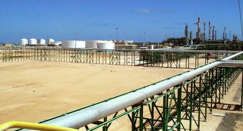 Oleoduto na Líbia (imagem referencial)