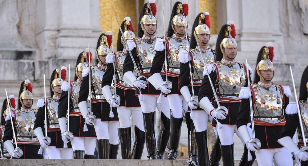 Membros da Guarda de Honra italiana durante celebração do Dia da Unidade Nacional e Dia das Forças Armadas (foto de arquivo)