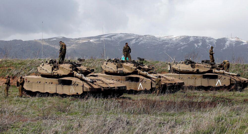 Soldados israelenses nas Colinas de Golã, perto da fronteira com a Síria, foto de arquivo