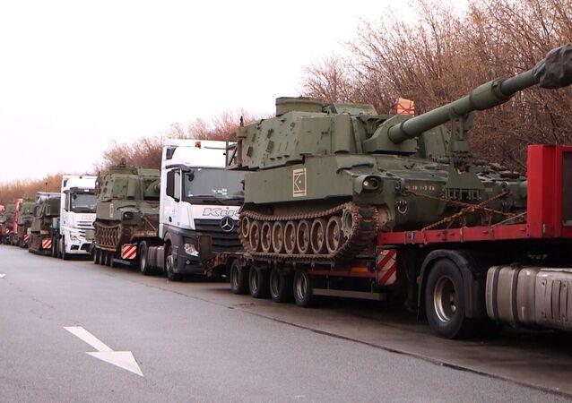 Polícia alemã detém comboio com armas de artilharia norte-americanas