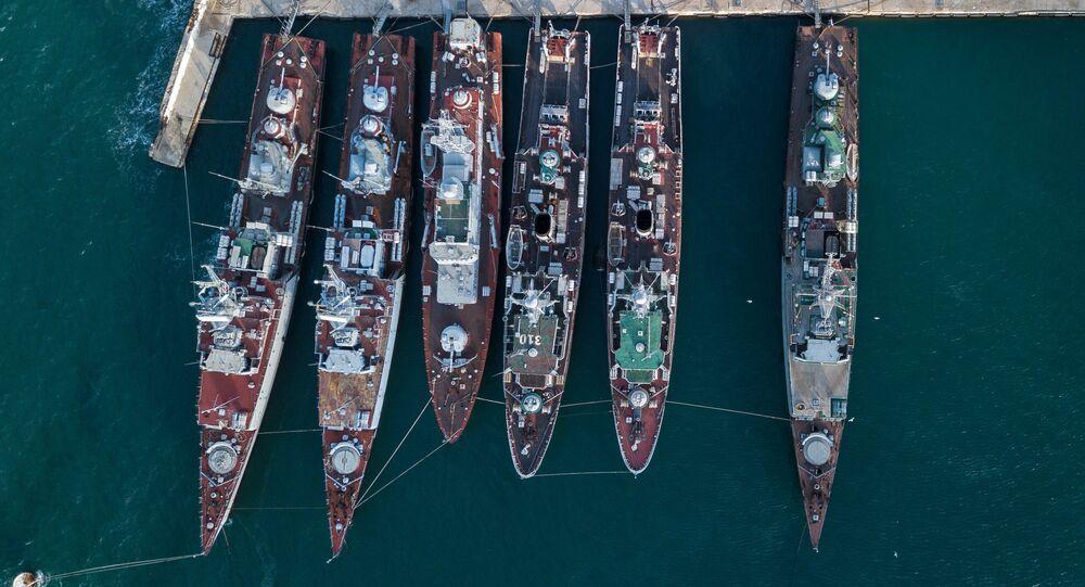 Navios ucranianos em Sevastopol, Crimeia, Rússia