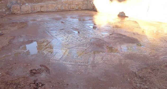 Exército sírio descobre antigos mosaicos bizantinos em Hama