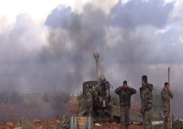 Artilharia pesada contra Frente al-Nusra: exército sírio continua ofensiva antiterrorista.