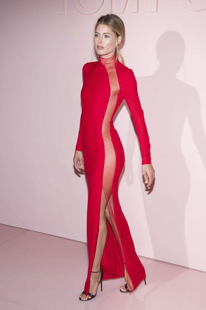 Modelo holandesa Doutzen Kroes toma parte de um show de Tom Ford em Nova York, em 6 de setembro de 2017