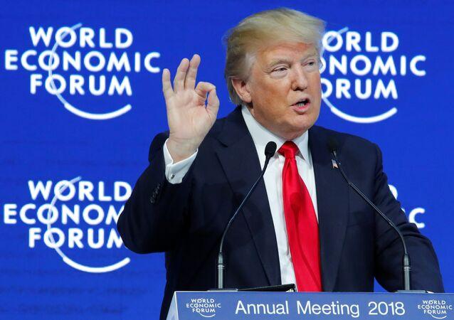 Presidente dos EUA, Donald Trump, durante discurso no âmbito do Fórum Econômico Mundial em Davos, Suíça, 26 de janeiro de 2018
