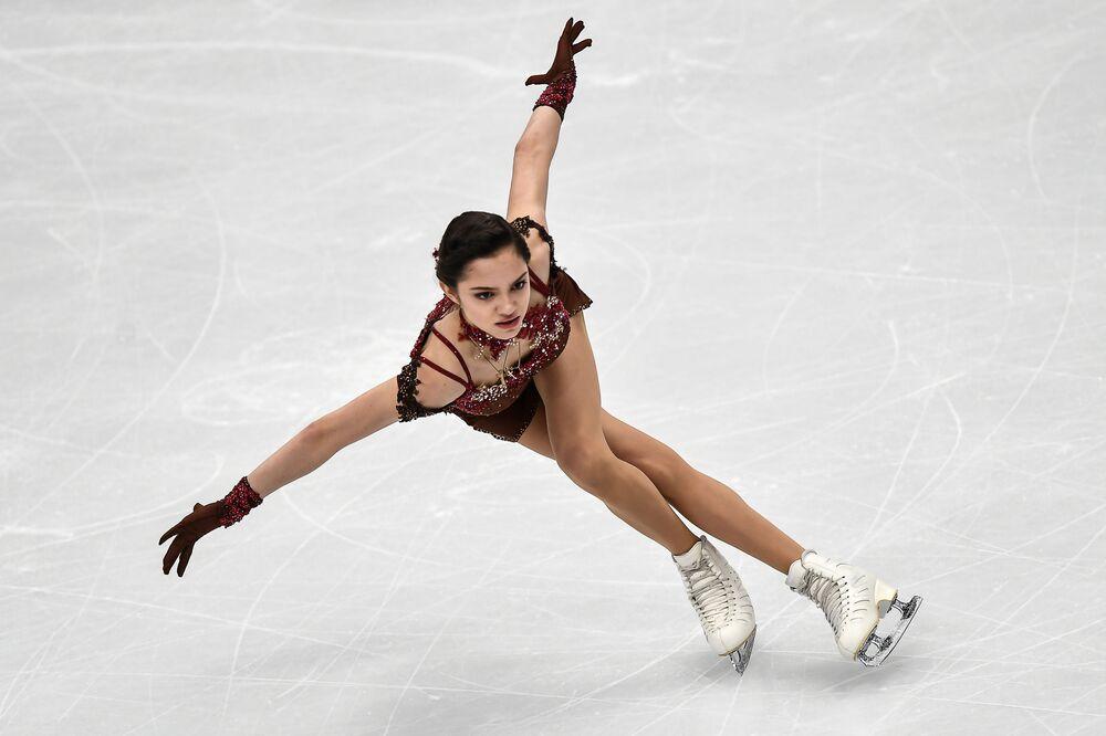 Atleta russa Yevgenia Medvedeva no Campeonato Europeu de Patinação Artística em Moscou