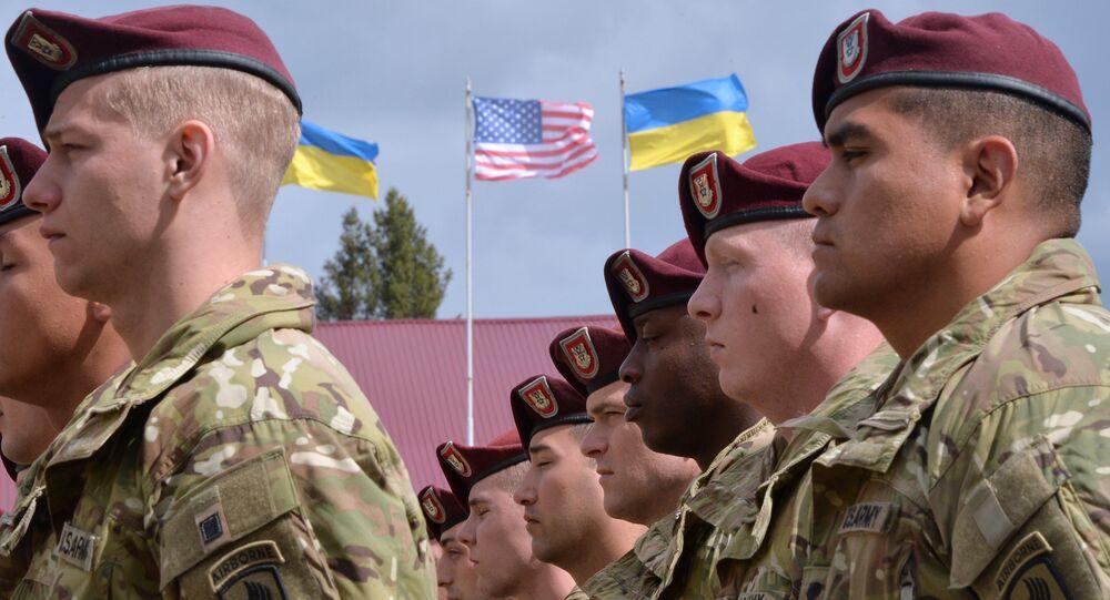 Soldados norte-americanos na cerimônia de inauguração dos exercícios militares conjuntos, entre os EUA e Ucrânia, Fearless Guardian 2015