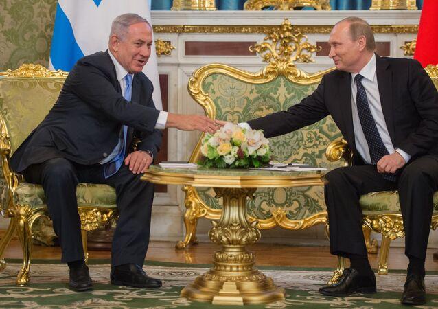 Primeiro-ministro de Israel, Benjamin Netanyahu, e o presidente da Rússia, Vladimir Putin