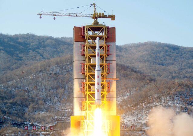 Lançamento de míssil de longo alcance no polígono de Sohae (Coreia do Norte)