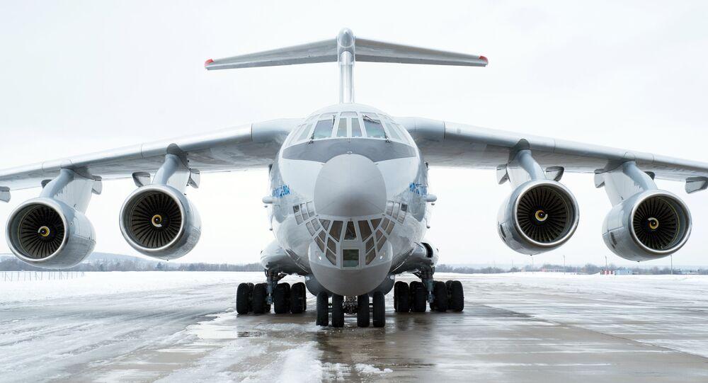Avião russo Il-76MD-90A