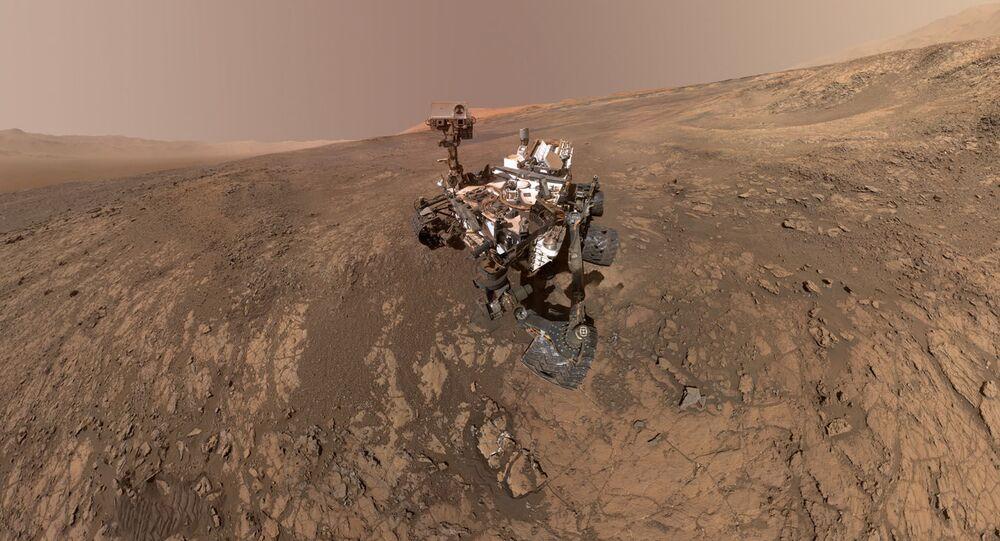Espaçonave Curiosity, da NASA, explorando a superfície marciana