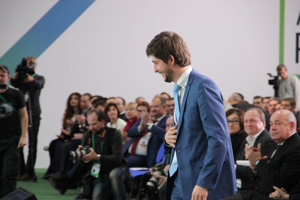 Eldar Aleev, gerente da empresa Vervag Farma, de Moscou, recebe título de vencedor do concurso Líderes da Rússia