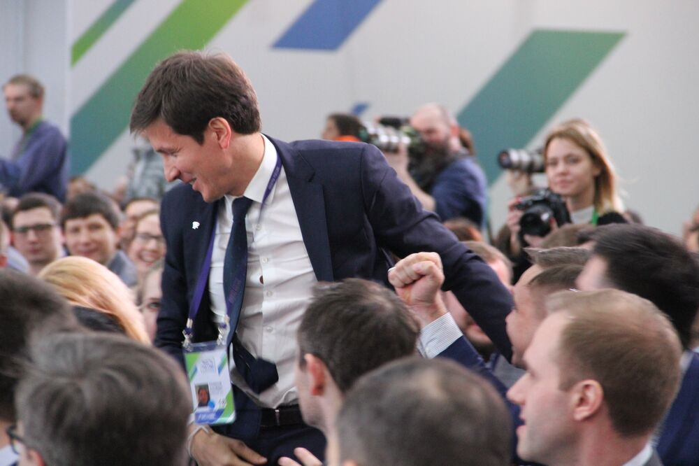 Albert Rakipov, da cidade de Sevastopol, recebe título de vencedor do concurso Líderes da Rússia