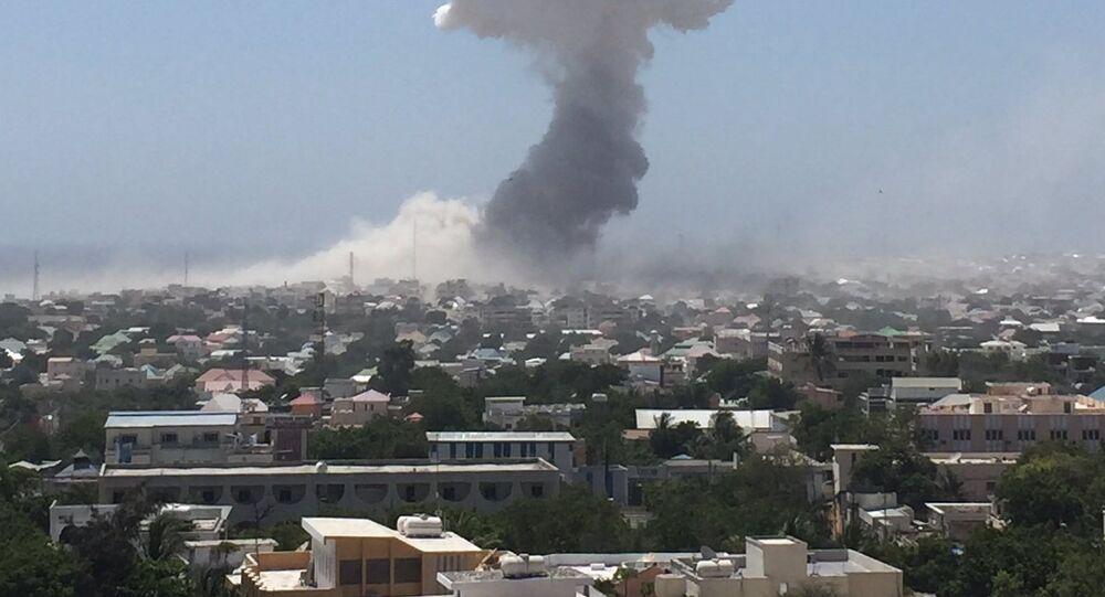 Explosão de um carro-bomba na capital da Somália (imagem referencial)