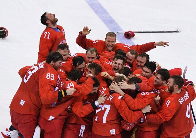 Equipe de hóquei de gelo russa bate alemães na final e vence nas Olimpíadas 2018, em 25 de fevereiro