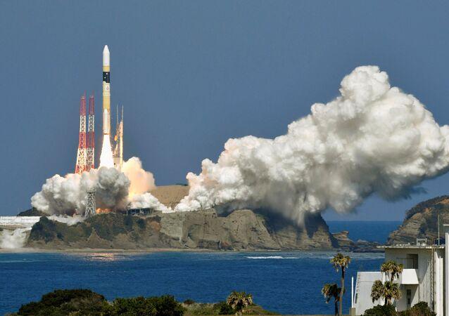 Foguete japonês H-2A com um satélite espião a bordo lançado do Centro Espacial de Tanegashima, 27 de fevereiro de 2018