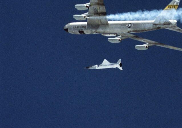 Avião hipersônico X-43A (imagem referencial)