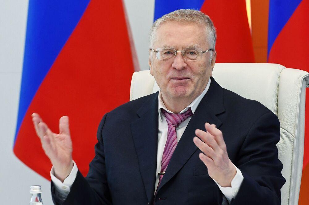 Candidato à Presidência da Rússia, Vladimir Zhirinovsky, no Centro Nacional de gestão de situações de crise do Ministério para Situações de Emergências em Moscou