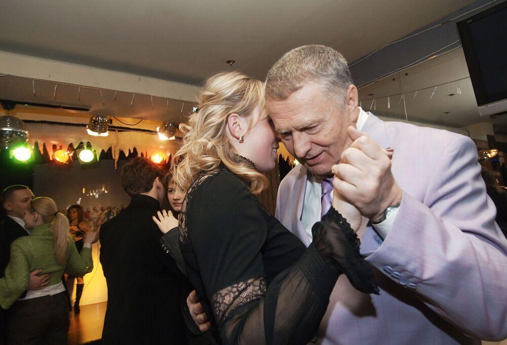 Vice-presidente da Duma de Estado da Rússia, Vladimir Zhirinovsky, participa da comemoração do Dia dos Namorados, organizado pelo centro juvenil do partido