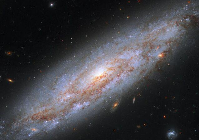 Galáxia grande NGC 3972 na constelação Ursa Maior
