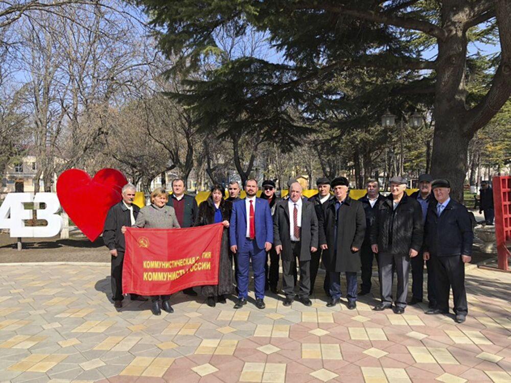 Líder do partido Comunistas da Rússia, Maksim Suraikin, durante uma visita a Tskhinval, Ossétia do Sul