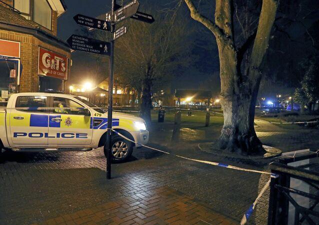 Área interditada pela polícia na cidade inglesa de Salisbury, condado de Wiltshire, onde o ex-espião russo Sergei Skripal foi encontrado com sintomas de envenenamento