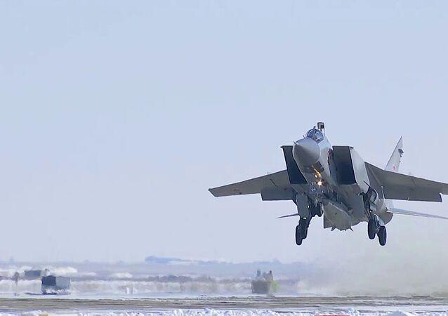 Força Aeroespacial da Rússia realiza teste do sistema de mísseis hipersônicos Kinzhal