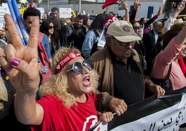 Manifestantes na Tunísia