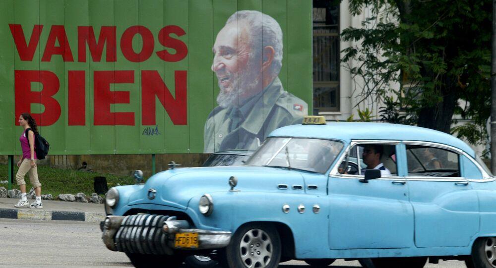 Cartaz com foto do líder cubano Fidel Castro