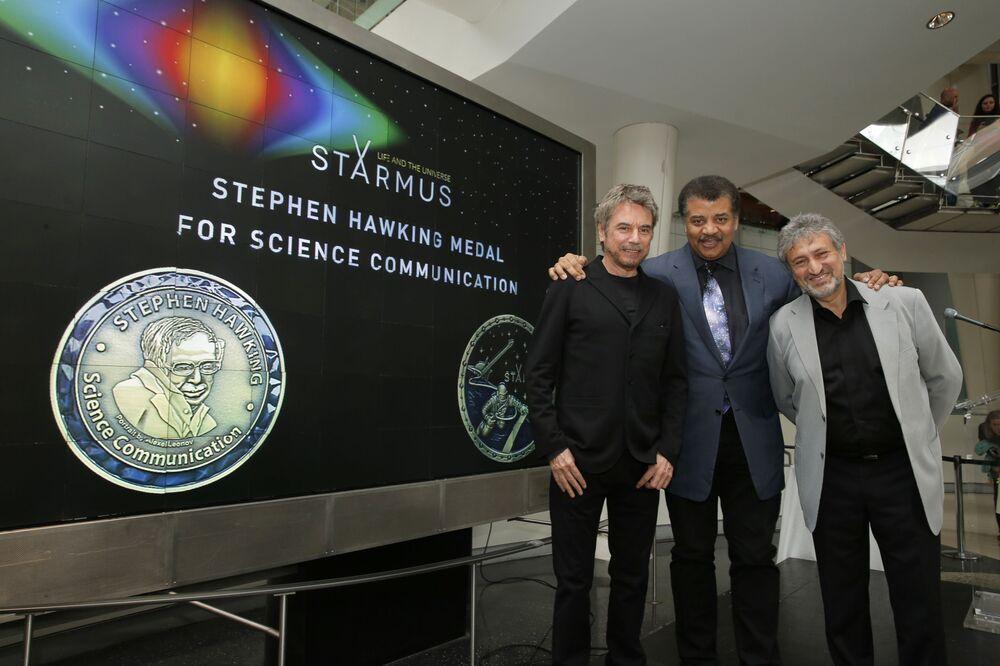 Vencedores da Medalha de Comunicação Científica de Stephen Hawking na cidade de Nova York