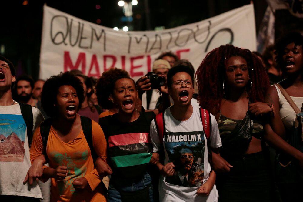 Marielle Franco lutava contra a violência policial e defendia os direitos humanos.