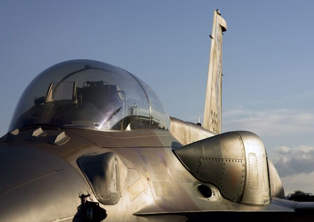 Caça israelense F-16 (foto de arquivo)