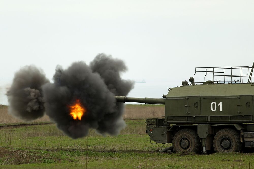 Sistema de artilharia autopropulsada A-222 Bereg durante os treinamentos das tripulações das Tropas de Mísseis e Artilharia russas no polígono Zhelezny Rog, na região de Krasnodar