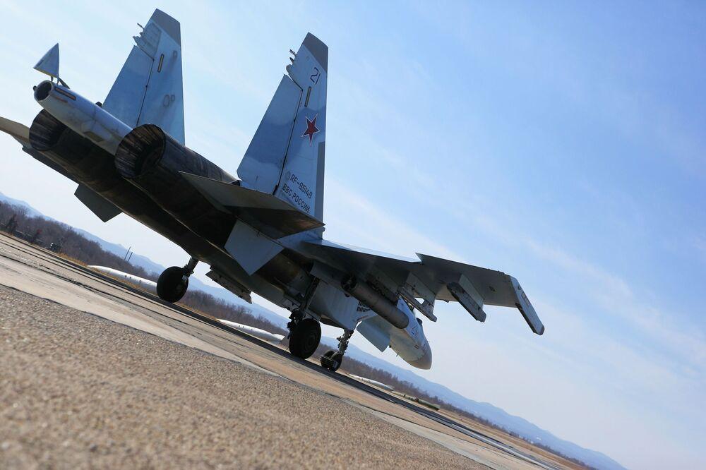 Caça Su-35 nas competições de pilotos militares Aviadarts 2018 em Primorie