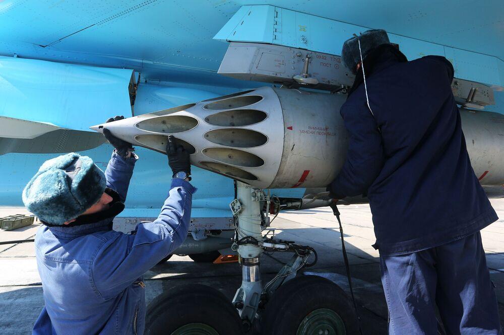 Preparações do avião para decolagem no Aviadarts 2018