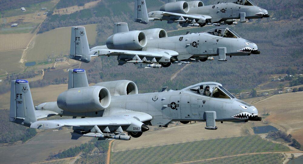 Caças-bombardeiros norte-americanos A-10 Thunderbolt II