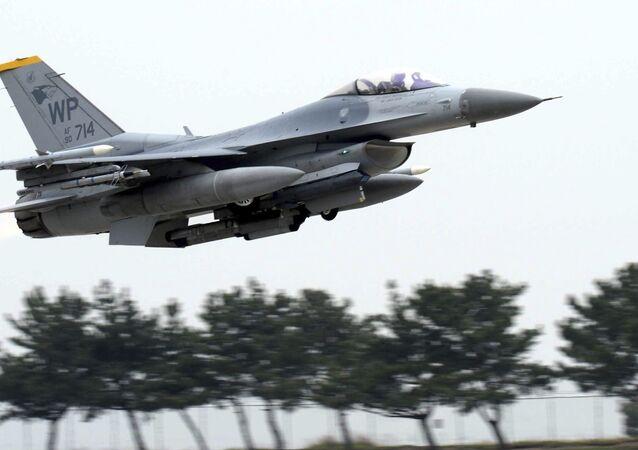 Caça F-16 da Força Aérea dos EUA (foto de arquivo)