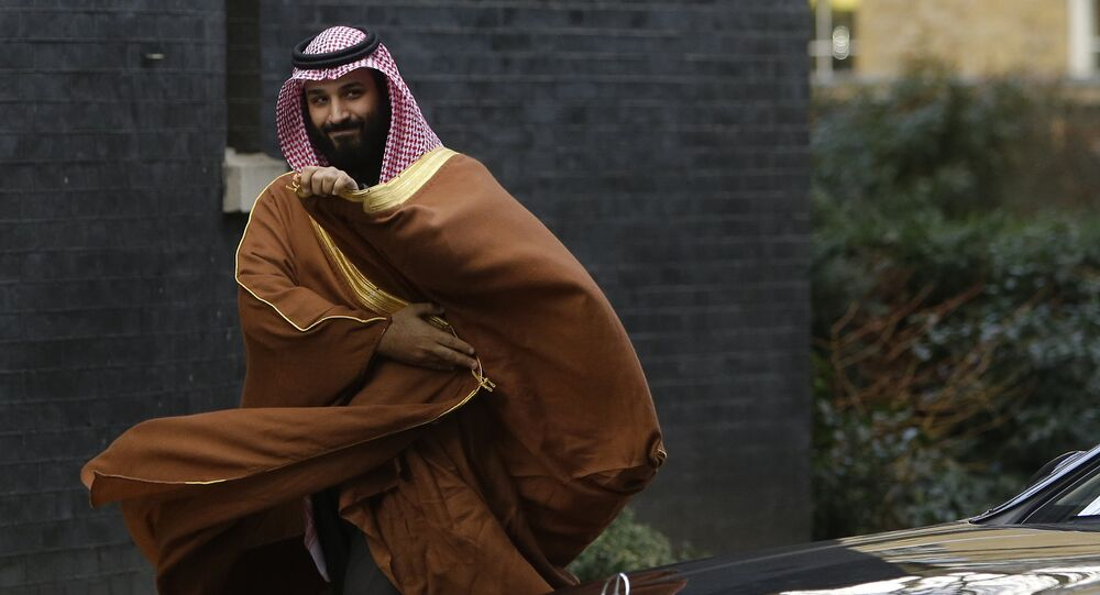 Mohammad bin Salman bin Abdulaziz Al Saud, príncipe herdeiro da Arábia Saudita, em Londres, para encontrar a premiê britânica, Theresa May, em 7 de março de 2018
