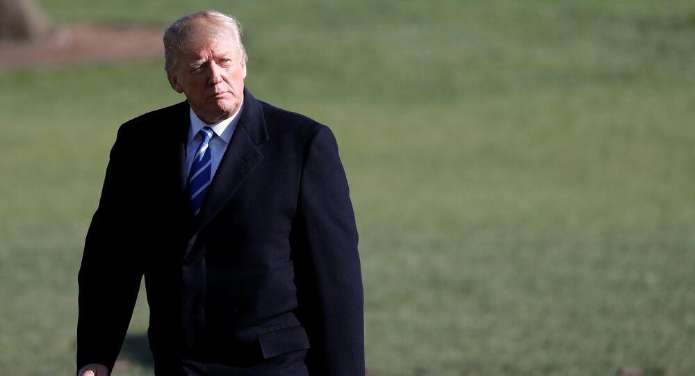 Presidente dos EUA, Donals Trump, volta para Casa Branca após uma viagem pelo país