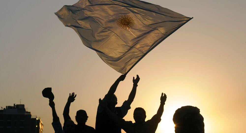 Segundo a OCDE, 75% dos latinoamericanos não confiam em seus governos