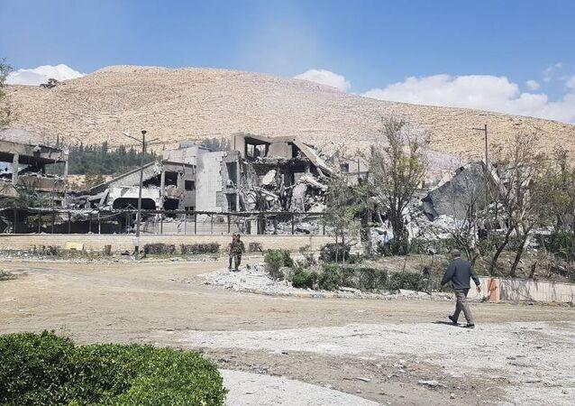 Dia após o ataque ao centro de pesquisa científica de Barzah, em Damasco, na Sìria. 14 de abril de 2018.