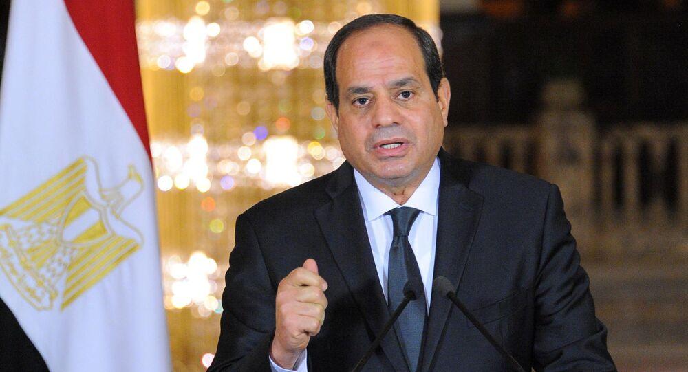 O presidente egípcio, Abdel Fattah al-Sisi, faz um discurso no Palácio Presidencial Ittihadiya no Cairo, Egito (arquivo)
